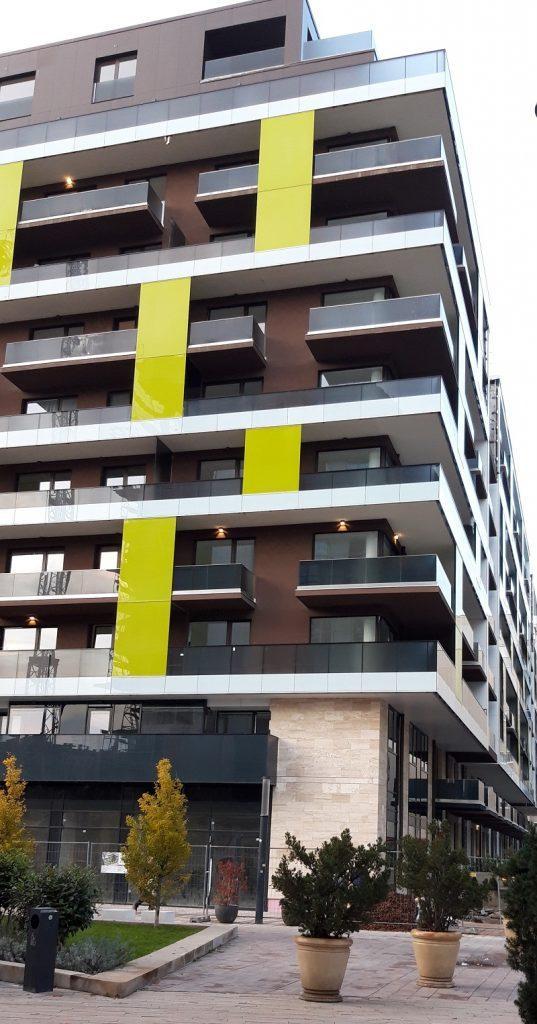 a lakás helyiségei sorozat az erkély