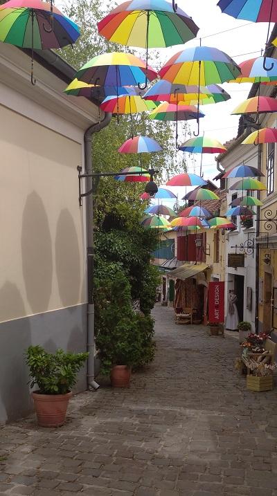 Szentendre színes ernyők